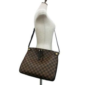 3fd4c324625a Louis Vuitton Bags - Louis Vuitton duomo crossbody bag